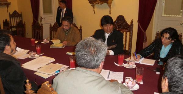 La reunión del mandatario con la pequeña empresa se realiza en Palacio de Gobierno