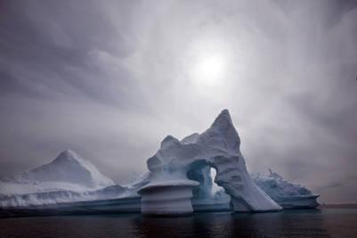Derretimiento del hielo en Groenlandia por el calentamiento global (AP).