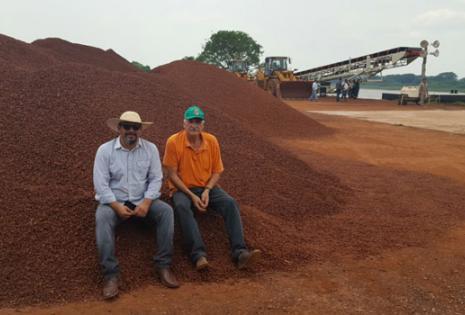 ESM exporta hierro a Paraguay por Puerto Busch
