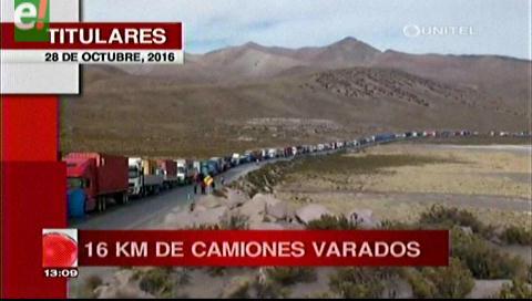 Titulares de TV: Continúa paro aduanero en Chile, transportistas lamentan millonarias pérdidas