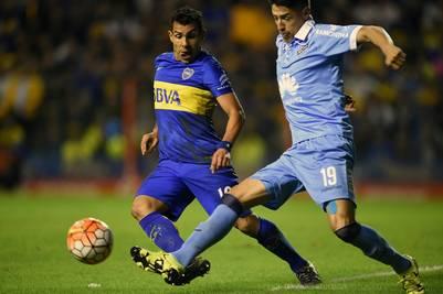 Este año, Cabrera, con la camiseta del Bolivar, enfrentó a Boca por la Copa Libertadores. AFP