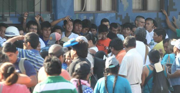 Los estudiantes buscan un cupo para realizar el servicio premilitar