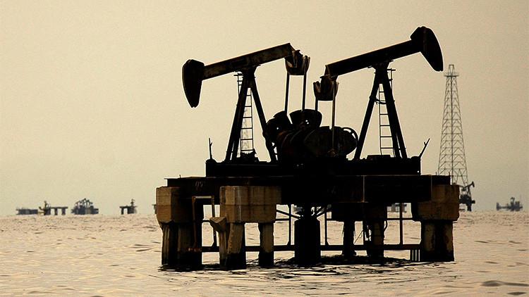 Instalaciones petroleras en el lago occidental de Maracaibo (Venezuela), el 5 de noviembre de 2007