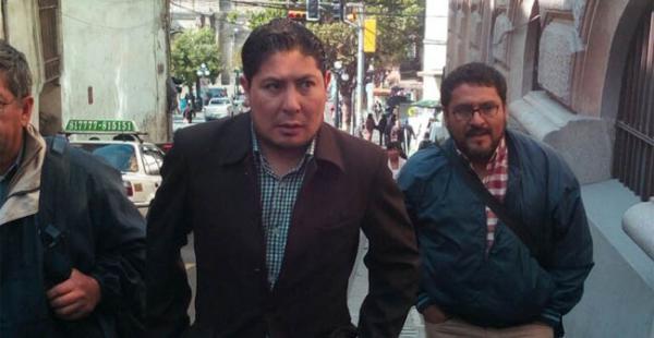 La dirigencia del transporte pesado justo antes de ingresar a la Cancillería para reunirse con el ministro Choquehuanca