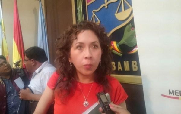 Gobierno instruye perforar pozos y trasladar agua de otras represas para La Paz