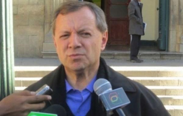 """""""Gringo"""" Gonzales cree que la gente de EPSAS debe pedir perdón de rodillas y luego irse a su casa"""