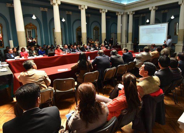 GOBIERNO Y EMPRESARIOS NO LOGRARON, AYER, APROXIMAR POSICIONES EN LA AGENDA PRODUCTIVA DEL PAÍS.