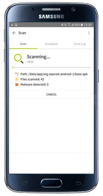 Uso de Con el paso del tiempo y la instalación de aplicaciones (y el uso diario), los dispositivos Android no funcionan exactamente igual que el primer día que se sacó de la caja. Si no se desea reiniciarlo de fábrica, lo más recomendable es utilizar un desarrollo que permita tenerlo perfectamente a punto para cuando sea necesario dar uso al teléfono o tablet. Una de las que merece la pena probar es ALYac. Esta es una aplicación que lo que busca es revisar los apartados más importantes que son de la partida en un terminal Android, como por ejemplo el uso de la memoria o el buen funcionamiento de los desarrollos que lo tienen instalados. De esta forma, lo que se consigue es que el dar uso a un smartphone con el trabajo de Google se consigue siempre tener la mejor experiencia de uso. Que no es poco, la verdad. Es importante indicar que es necesario dar acceso a varios apartados a ALYac, por lo que esto no debe ser algo que cause rechazo, ya que si no se proporciona la que tiene que ver con el almacenamiento, por poner un ejemplo, es imposible conseguir una optimización adecuada. Eso sí, con muy buen criterio los creadores de esta aplicación preguntan si se desea dar uso al soporte en la nube que ofrecen mediante el uso de datos, ya que esto hace que se consuman megas. Lo ideal, si no se es muy exigente, es dejar solo la WiFi. Un buen detalle de ALYac es que se integra en la barra de accesos rápidos, justo debajo, un acceso a las opciones que son de la partida en el trabajo del que estamos hablando. Aquí es posible desde iniciar un escaneo del terminal en cuestión e, incluso, encender el flash trasero a modo de linterna -esto es de gran ayuda si el modelo que se tiene no ofrece esta posibilidad-. El caso, es que el manejo se realiza sin especial complicación.