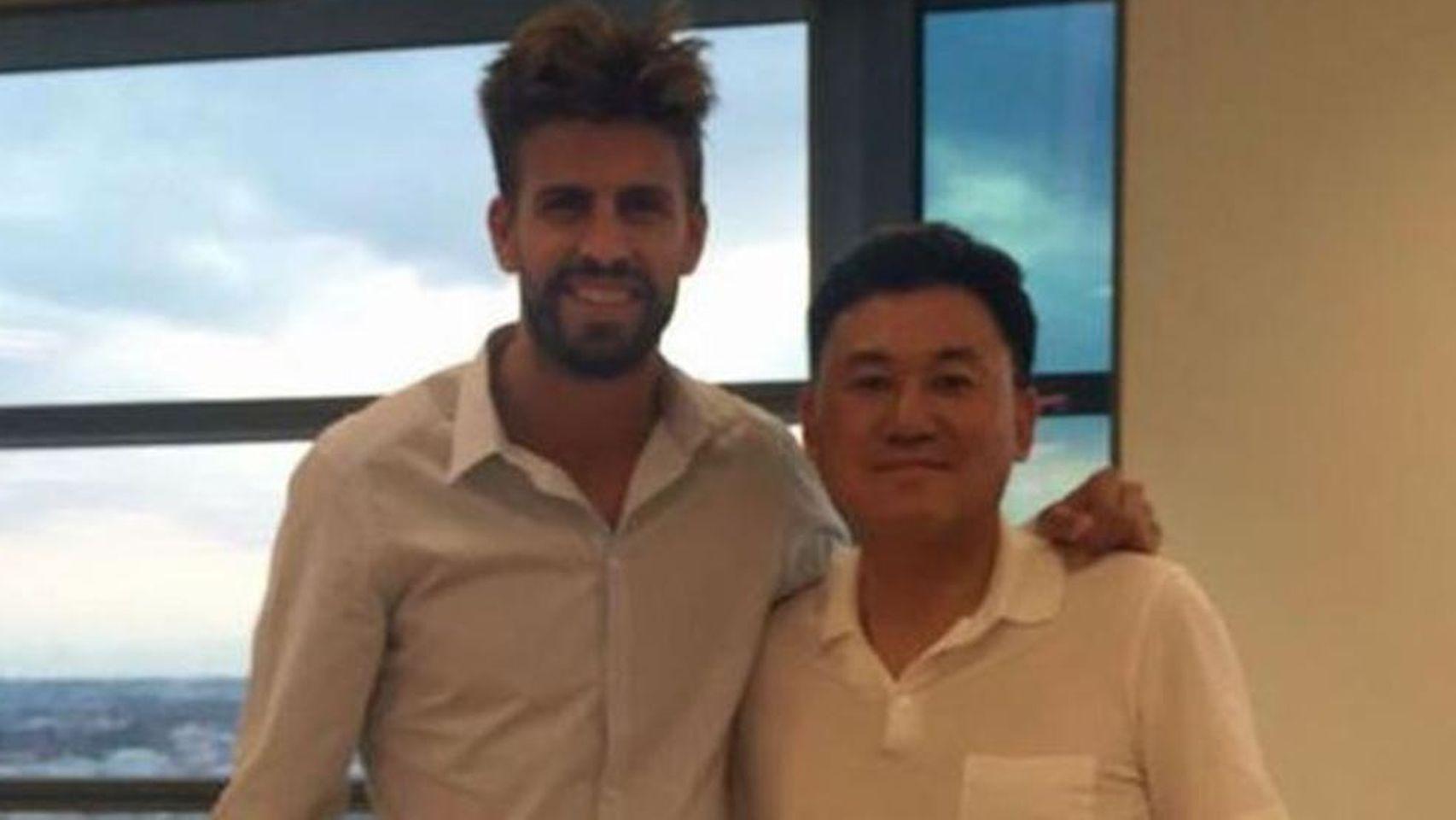 La foto que Mikitani colgó en las redes sociales junto a Piqué