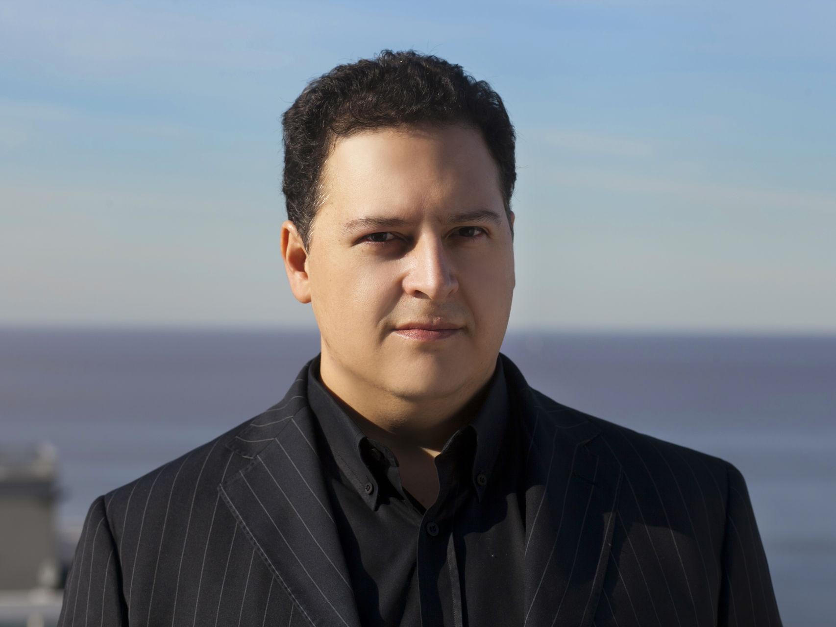 Sebastián Marroquín, antes Juan Pablo Escobar, en la actualidad.