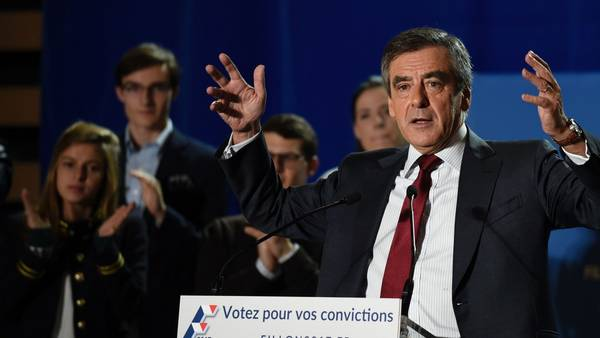 En carrera. François Fillon se impuso el domingo, en la primera vuelta de las primarias conservadoras en Francia. /AFP