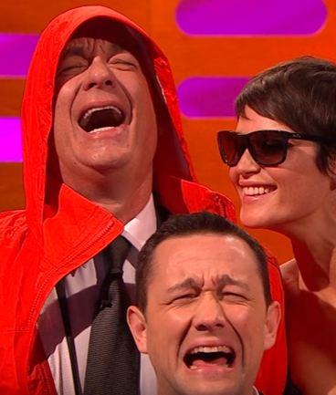 Tom Hanks parodia la foto viral de Bill Murray