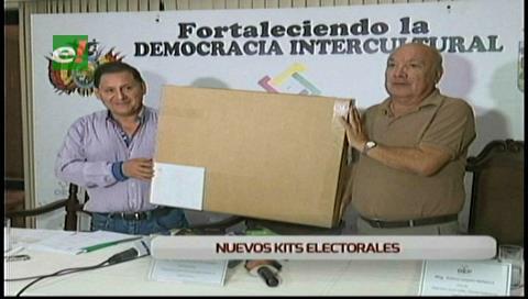 """Santa Cruz: TED presentó los """"kits electorales"""" para el referéndum del 20 de noviembre"""