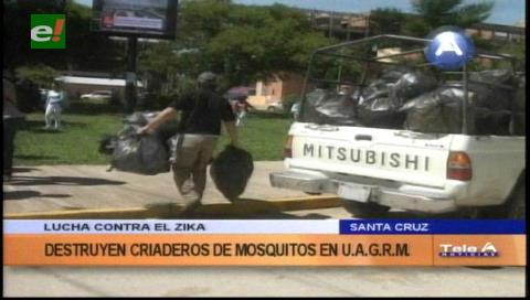 Destruyen criaderos de mosquitos en la Uagrm