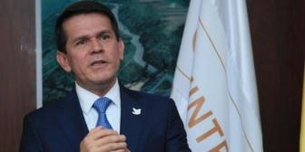Aeronáutica Civil de Colombia apunta contra el piloto boliviano