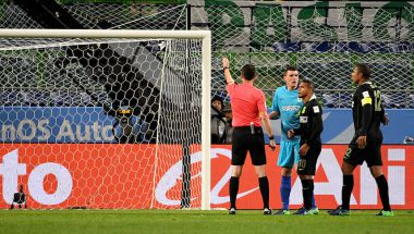 El árbitro pitó el penalti después de consultar con el asistente de video (TOSHIFUMI KITAMURA/AFP/Getty Images)
