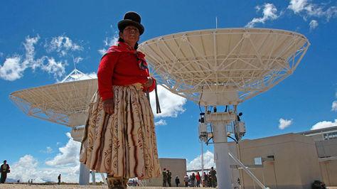 Estación terrena del satélite Túpac Katari