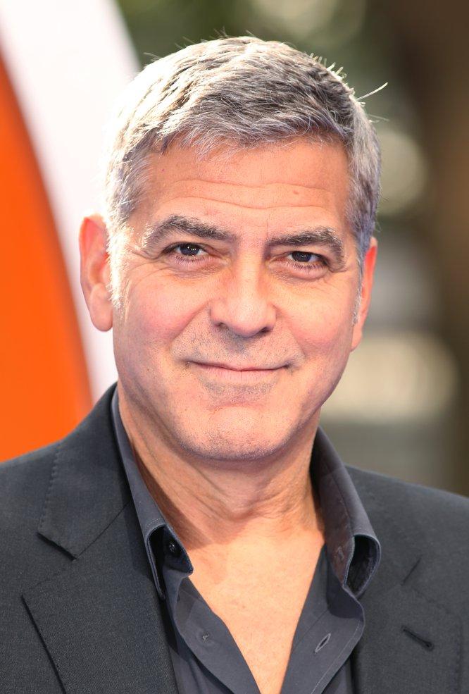 """""""Mi gran casa en una colina me está aislando. No hay otra manera de decirlo. Hay restricciones para esta clase de fama. Hace 15 años que no doy un paseo en Central Park. Y me encantaría"""", contó el actor George Clooney a la revista 'Esquire'."""