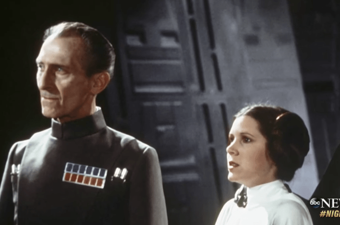 peter-cushing-carrie-fisher-revivir-rogue-one.png