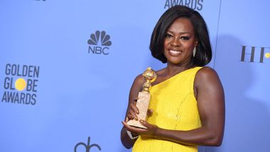 BEVERLY HILLS, CA - JANUARY 08: Actress Viola Davis, winner of Best Supporting Actress in a Motion Picture for 'Fences,' poses in the press room during the 74th Annual Golden Globe Awards at The Beverly Hilton Hotel on January 8, 2017 in Beverly Hills, California. (Photo by Kevin Winter/Getty Images)