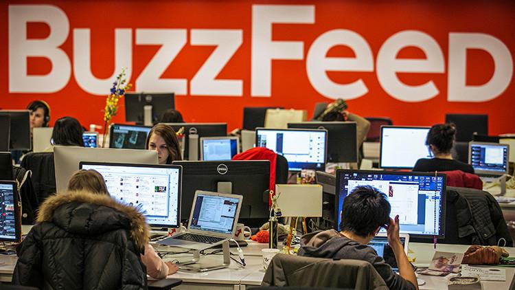Un excelente negocio: BuzzFeed comercializa la frase que utilizó Trump en su contra