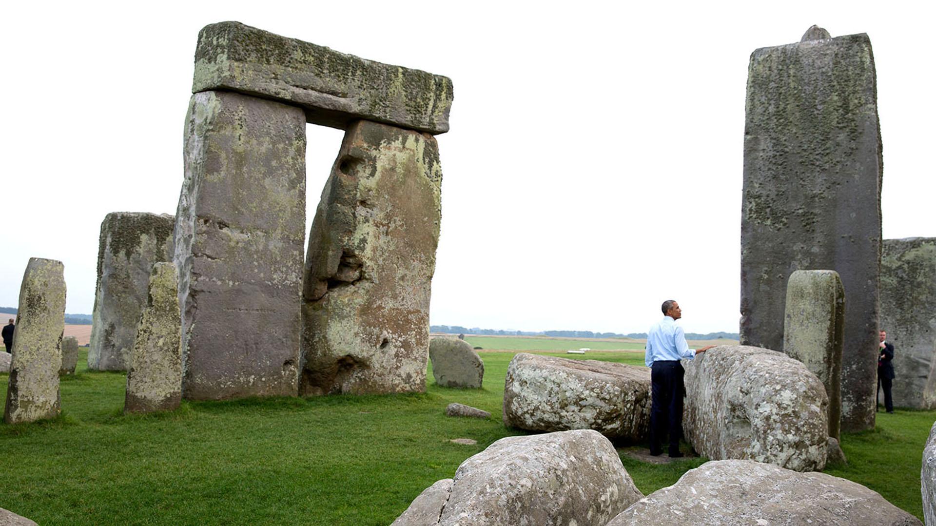 Obama visita el monumento megalítico de Stonehenge en Wiltshire, Inglaterra, 5 de septiembre de 2014 (Official White House Photo by Pete Souza).