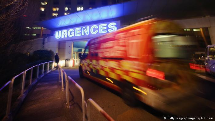 Frankreich Rettungswagen Symbolbild (Getty Images/Bongarts/A. Grimm)