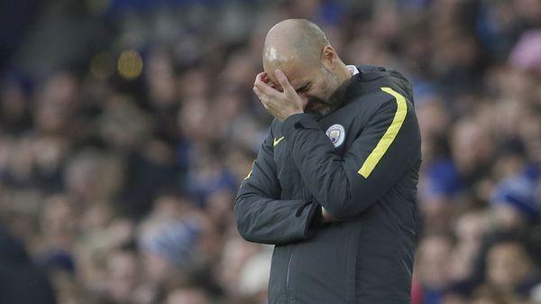 Pep Guardiola ganaba por 2 a 0 pero no pudo sostener el resultado (Reuters)
