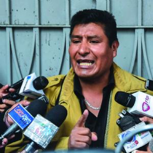 Alejandro Zapata presenta una querella contra obispo de El Alto