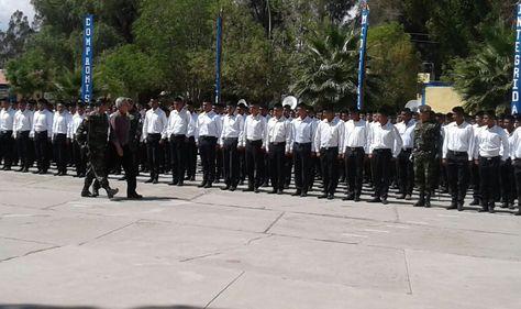 El vicepresidente Álvaro García Linera participa del acto de licenciamiento de soldados y marineros del Primer Escalón 2016, en Cochabamba. Foto: Fernando Cartagena.