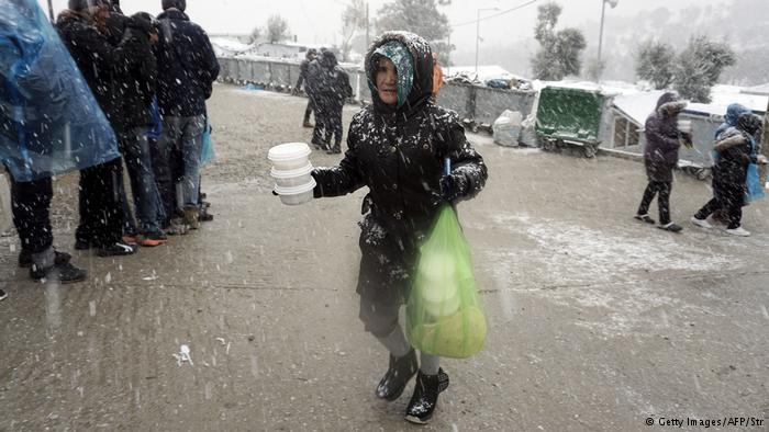 Griechenland - Schnee im Flüchtlingslager Moria auf Lesbos (Getty Images/AFP/Str)
