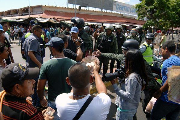 Los venezolanos sufren un alarmante desabastecimiento
