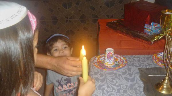 Benazir y su hermano Ezra (Facebook)