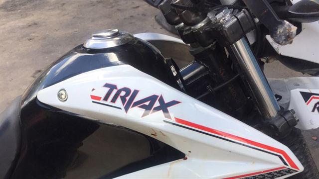 La moto en la que Loscalzo escapó de la escena del crimen, secuestrada en Villa Lugano