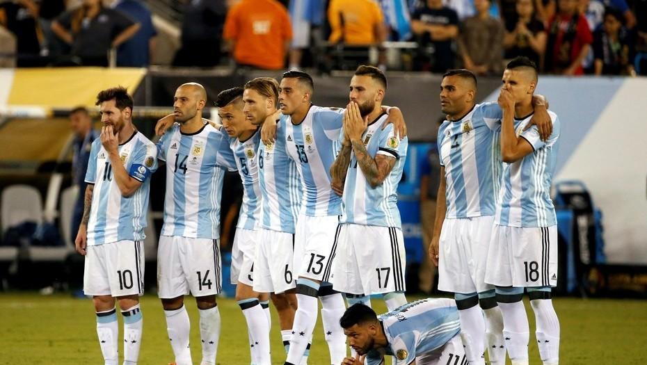 Resultado de imagen para La Argentina sigue arriba en la clasificación FIFA