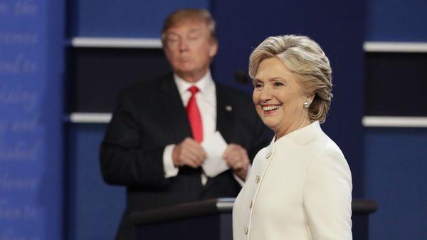 Hillary Clinton se expresó con ironía sobre el fallo de la Justicia contra el veto migratorio (AP)