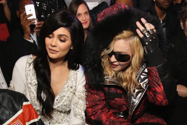 Madonna y Kylie Jenner, en el desfile.
