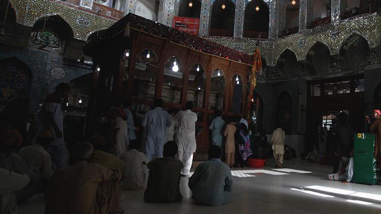 Más de 70 muertos y centenares de heridos tras un atentado del EI en Pakistán
