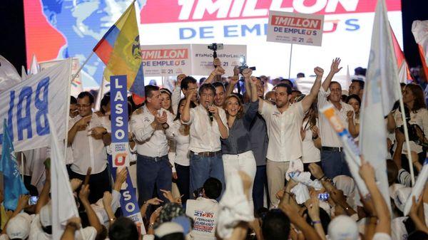 A pocos días de la elección hay entre 30 y 35% de indecisos, según los sondeos, algo que los expertos consideran poco habitual en la historia reciente de Ecuador (Reuters)