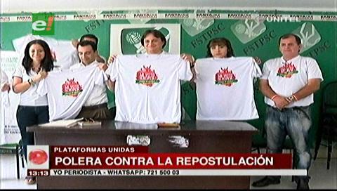 """Plataformas por el NO presentaron oficialmente la """"polera de la democracia"""""""