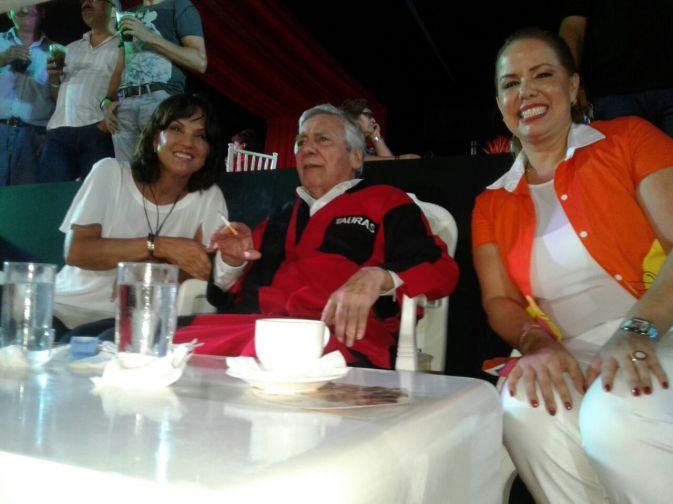 Desiré Bravo, Percy Fernandez y Angelica Sosa