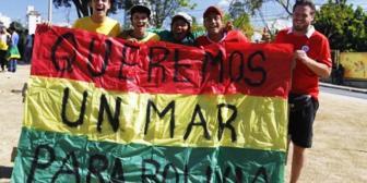 Residentes bolivianos de España marcharon en respaldo a la demanda marítima
