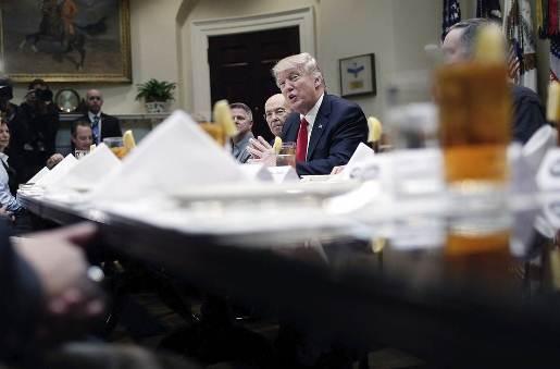 Trump y Merkel se reúnen en la Casa Blanca