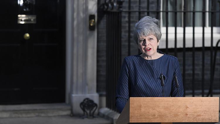 May llama a elecciones para el 8 de junio