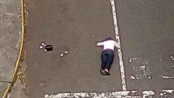 Ramírez Gómez fue alcanzada por un disparo, que impactó en su cabeza e inmediatamente le provocó la muerte