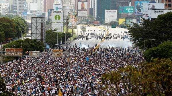 Los venezolanos fueron reprimidos en la marcha del miércoles (Reuters)