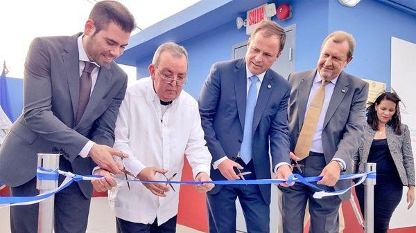 Laureano Ortega, primero desde la izquierda, inaugura el centro de espionaje ruso en Managua, acompañado de dirigentes rusos