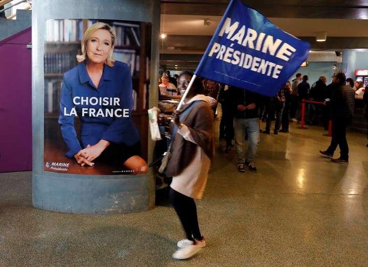 Marine Le Pen se va de pesca