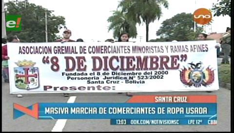 Comerciantes de ropa usada marchan en rechazo al control de Alcaldías