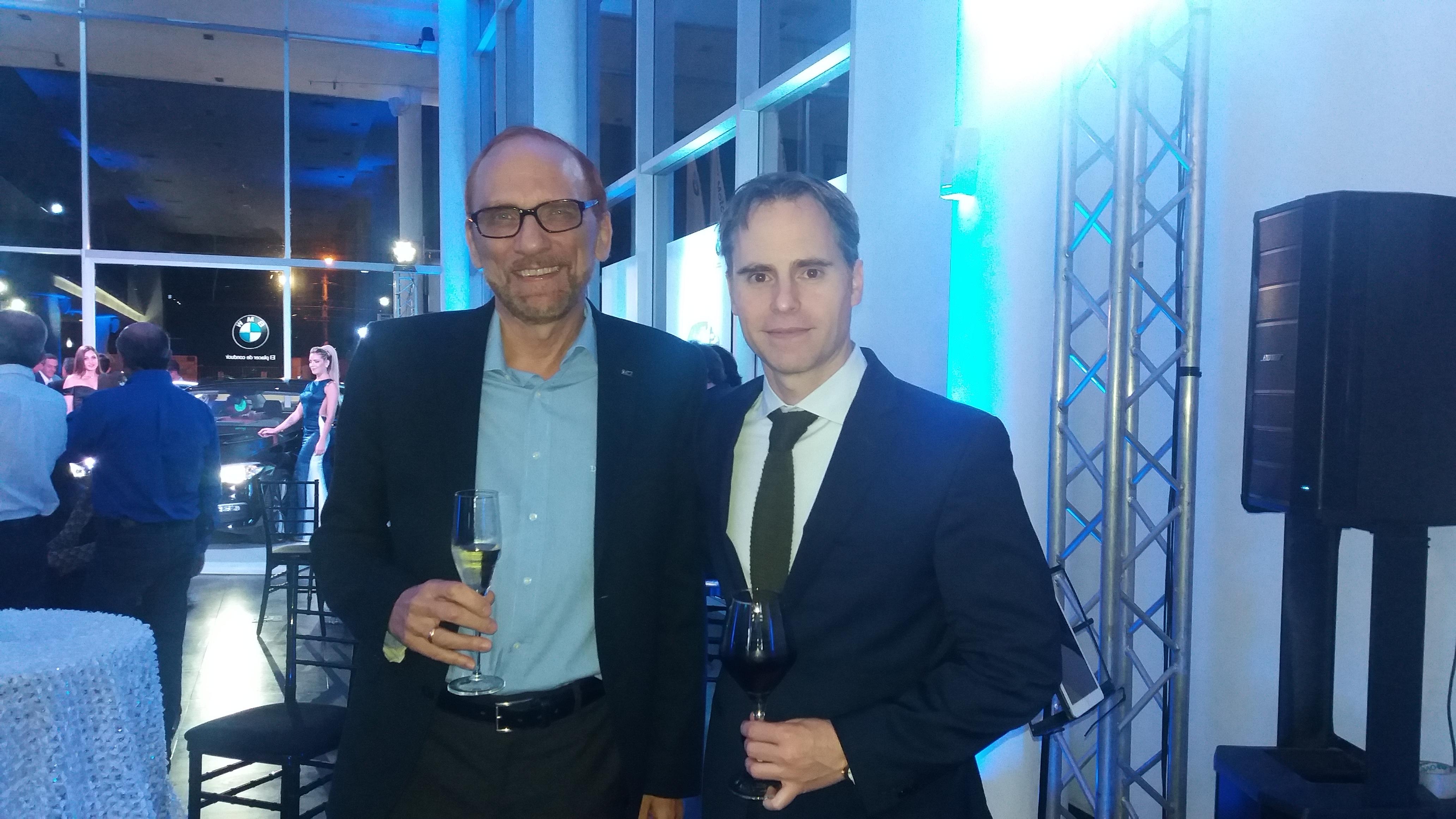 Dr Harald Michael Biste, Cónsul Honorario, y Juan Carlos Rivas manager de BMW Group.